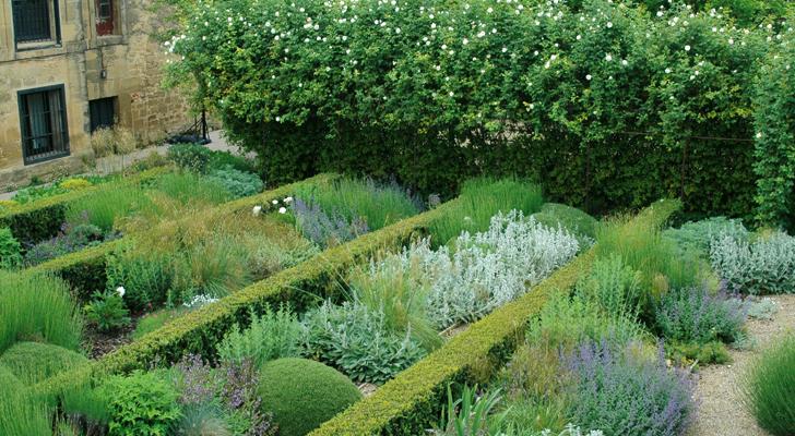 Jardines para so ar y visitar quercus jardiners for Jardines barrocos