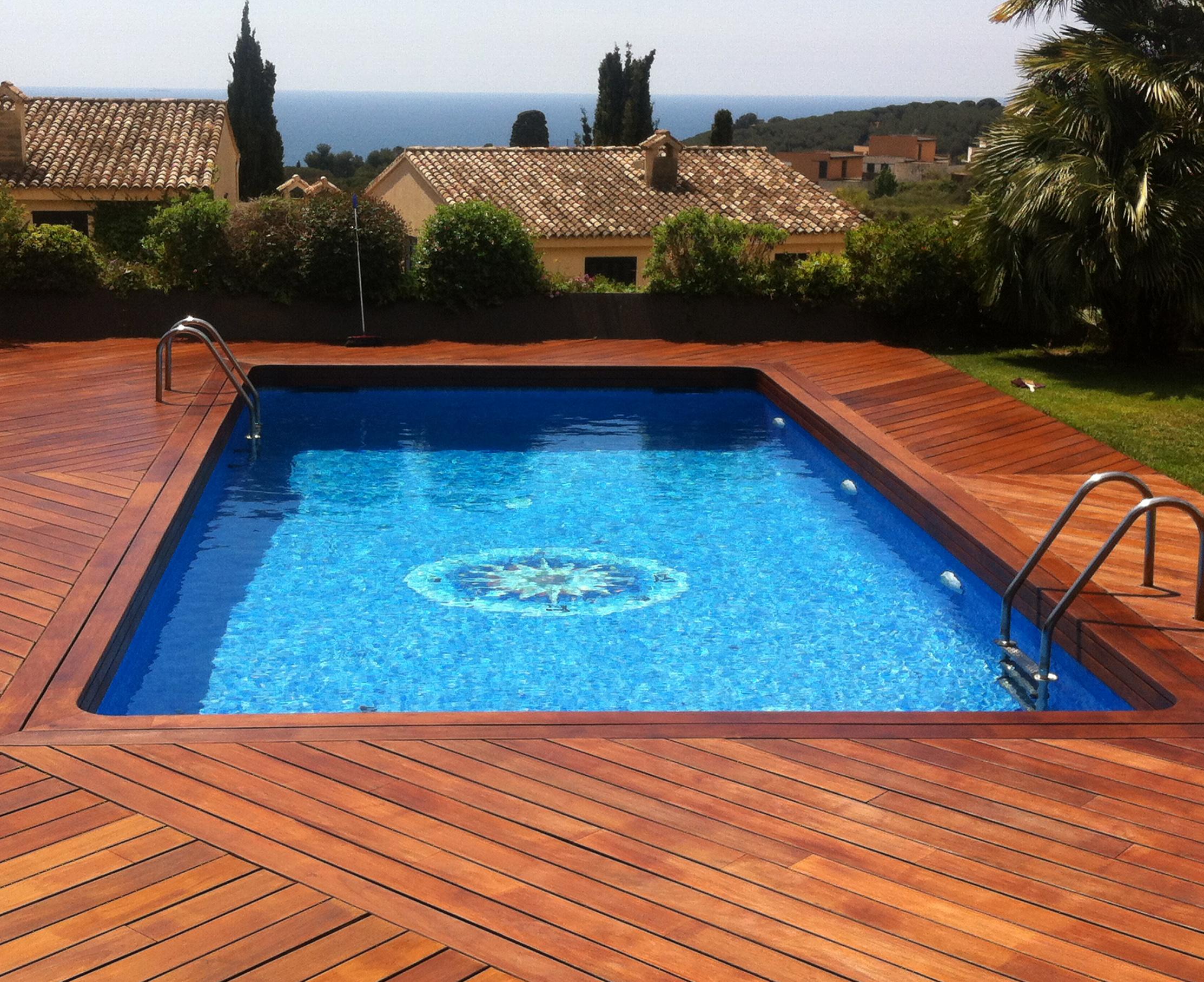 Tipos de piscinas para tu jard n quercus jardiners for Tipo de piscinas