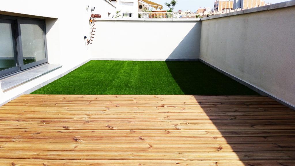 Preparando la instalaci n de c sped artificial quercus - Cesped artificial barcelona ...